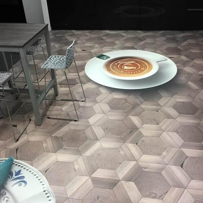 De gepersonaliseerde vloer blijkt een hit op evenementen en beurzen